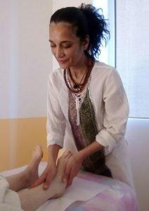 Riflessologia ai piedi con Claudia Caci Operatrice Olistica di Milano